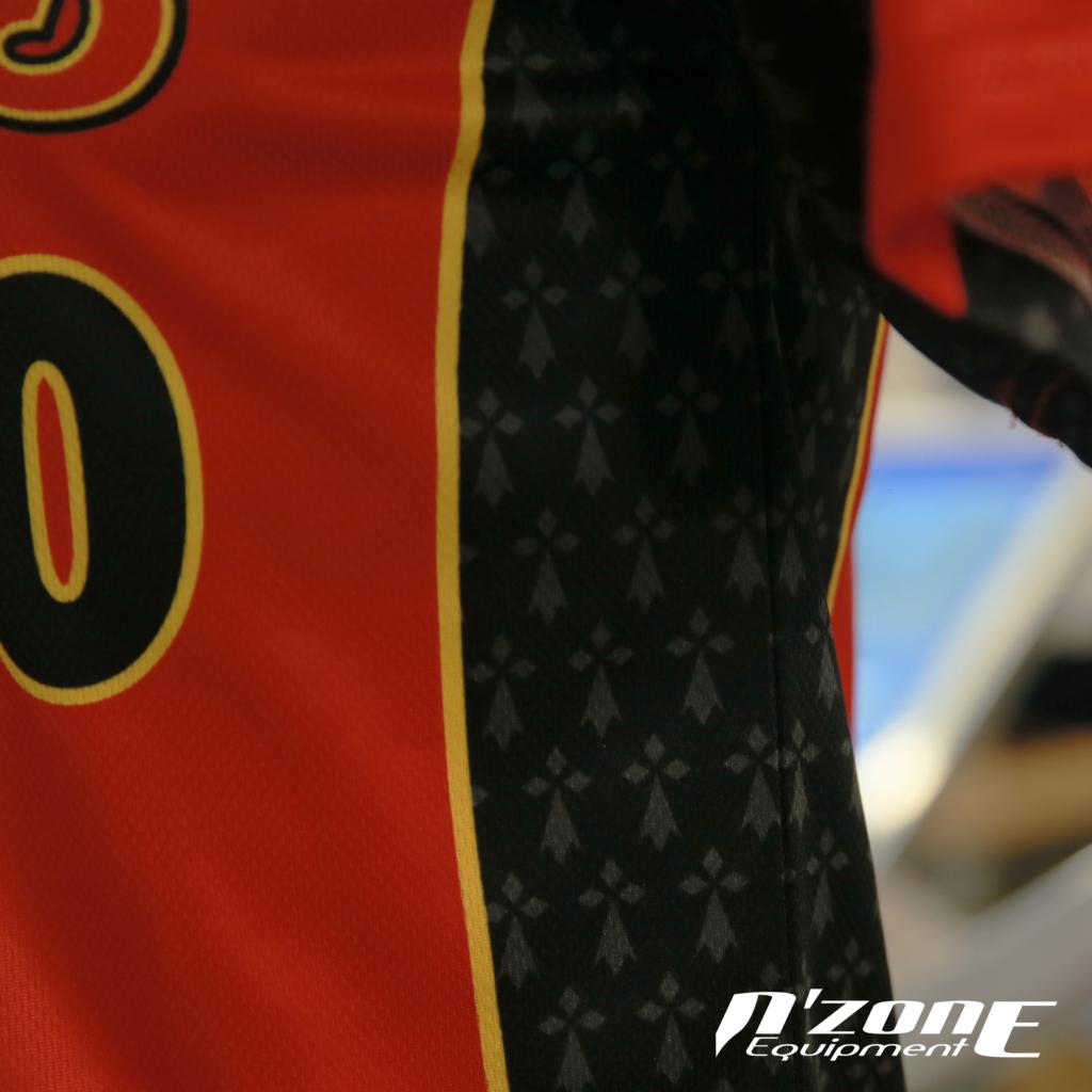 Détail du maillot des Redwings de Rennes